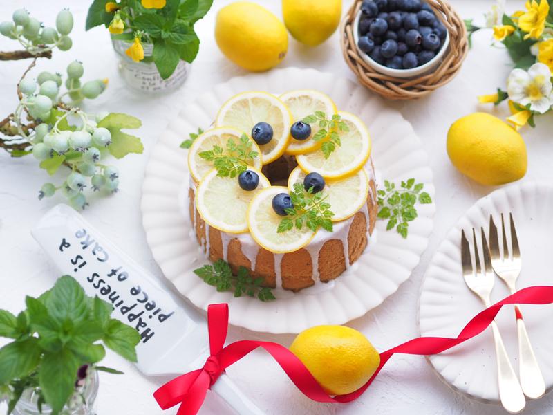 とっても簡単 シフォンケーキのデコレーション 真ん中の飾り方もご紹介 天満紙器