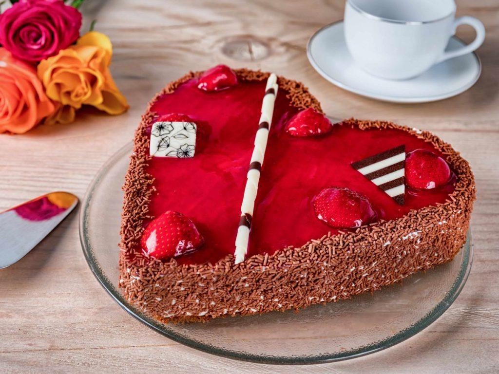ハート型のケーキ